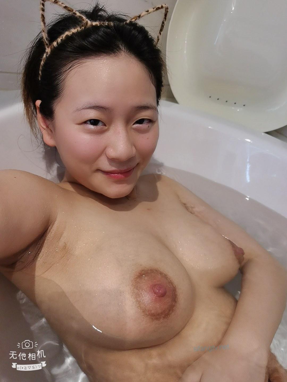 【反差婊系列】重庆妹子幸福生活流出,从校园青春到人妻怀孕的裸露历程 稀缺资源绝版7V+610P收藏 公共场所露出-第8张